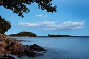 Picture of lake Pyhäjärvi in twilight shortly after sunset