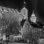 Tiergärtnertorplatz at night in black and white